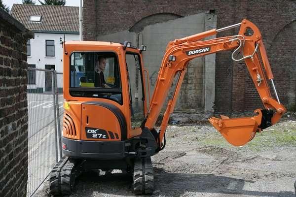 Mini-Excavator_DX27z_Construction_001.jpg_Interflow - JPG - Fit to Box_600_500_true